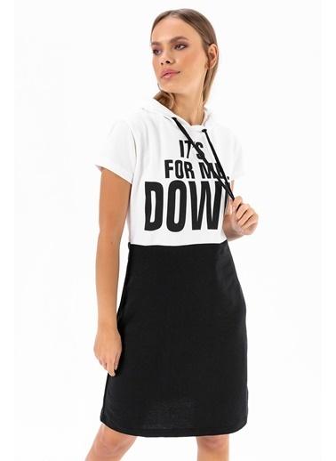 Emjey Kapüşonlu Down Baskılı Elbise Siyah